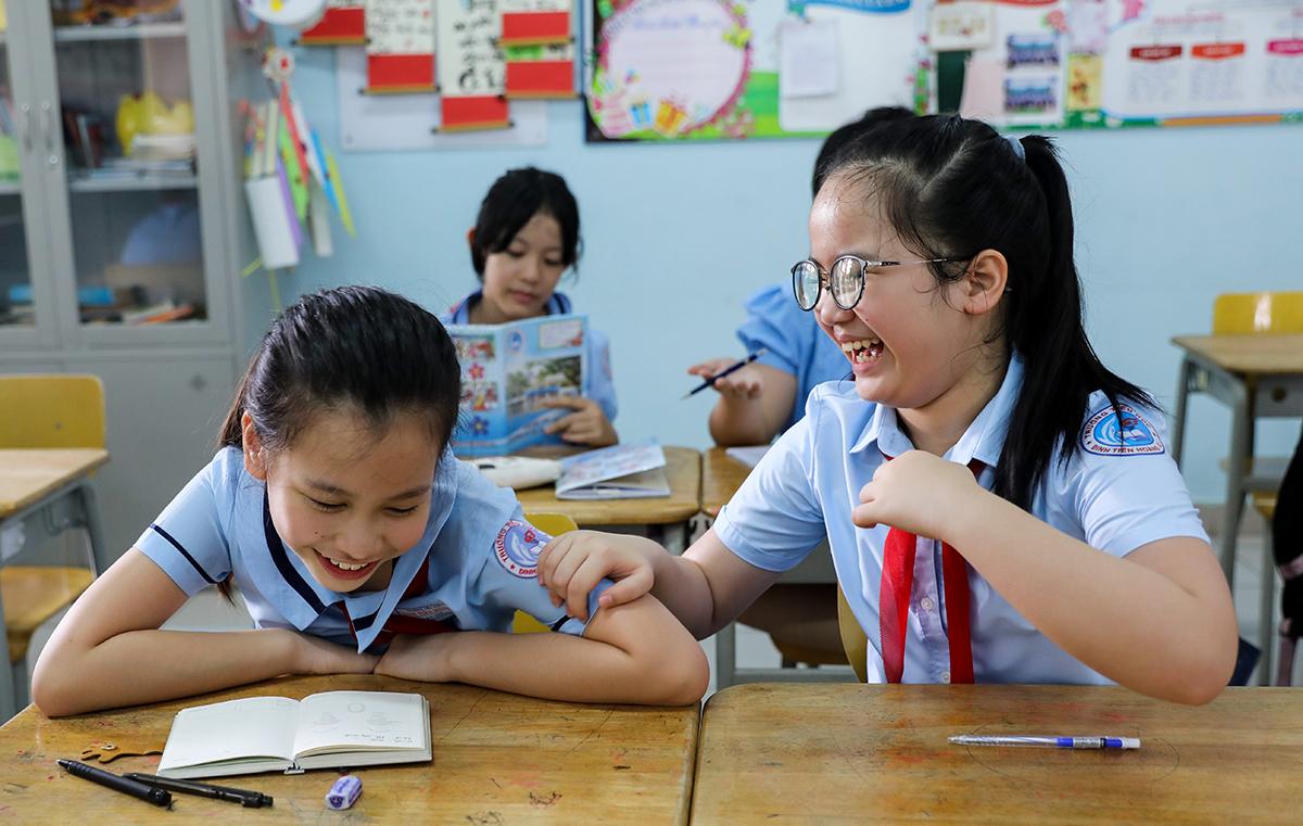 Học sinh trường Tiểu học Đinh Tiên Hoàng (quận 1, TP HCM) trong một tiết học hồi tháng 5. Ảnh: Quỳnh Trần.