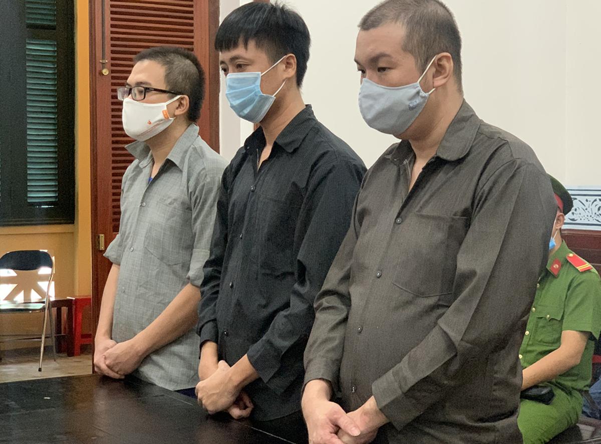 3 bị cáo tại tòa ngày 1/12. Ảnh: Dương Trang.