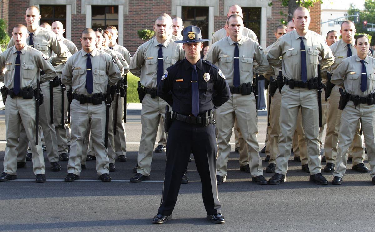 Tân binh cảnh sát thành phố Bakersfield, bang California vào tháng 11/2019. Ảnh: The Californian.