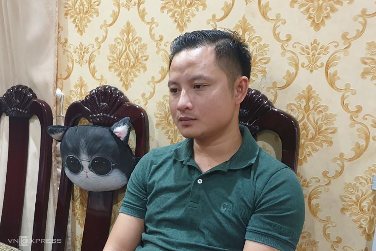 Lê Thái Phong tại nhà riêng tối 1/12. Ảnh: Trường Hà.