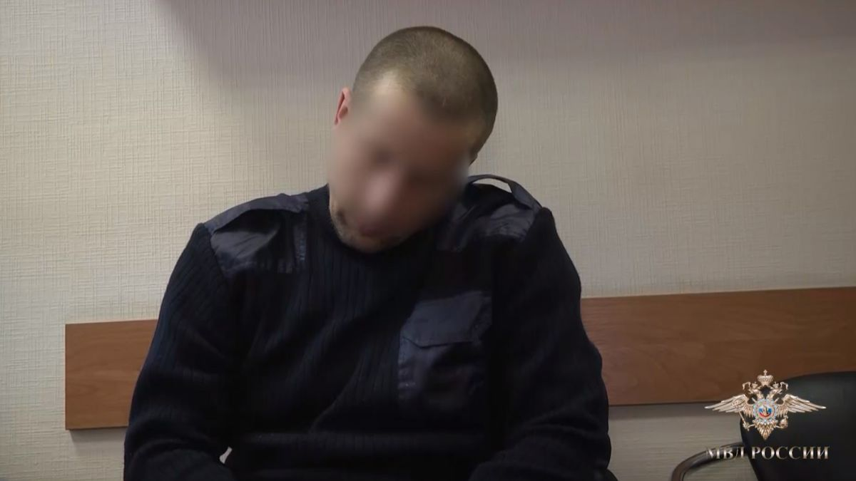 Nghi phạm giết người hàng loạt Radik Tagirov khi bị bắt ở Volga, Nga. Ảnh: Volga Police.