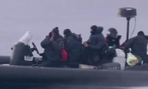 Rượt đuổi tàu chở 2 tấn thuốc phiện