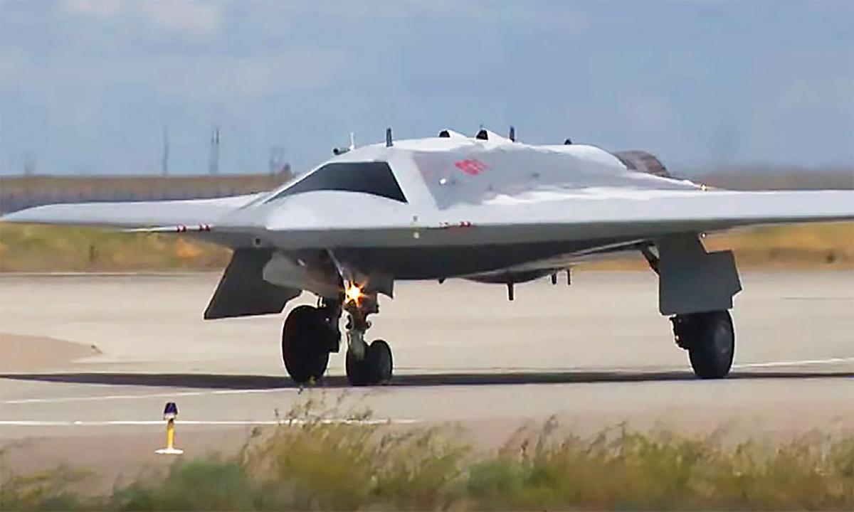 UAV chiến đấu Okhotnik trong thử nghiệm hồi tháng 1/2019. Ảnh: BQP Nga.
