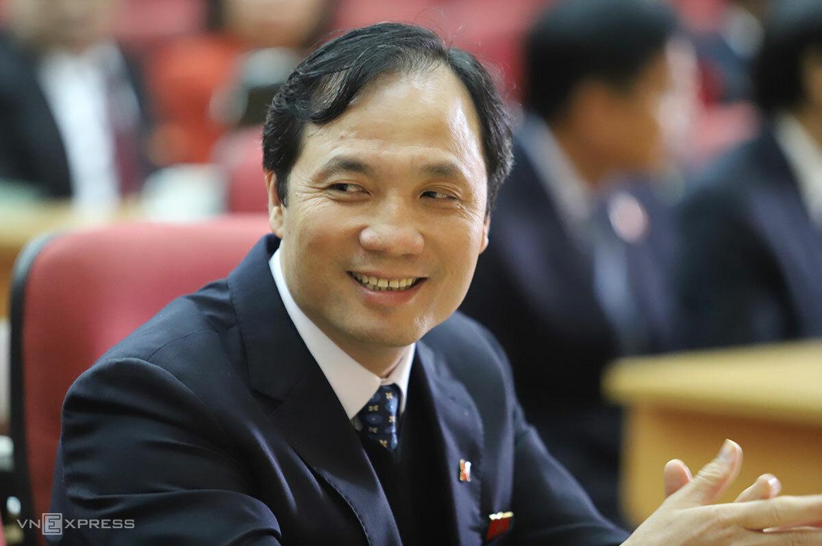 Ông Hoàng Trung Dũng, tân Chủ tịch HĐND tỉnh Hà Tĩnh tại kỳ họp HĐND lần thứ 18, sáng 6/12. Ảnh: Đức Hùng