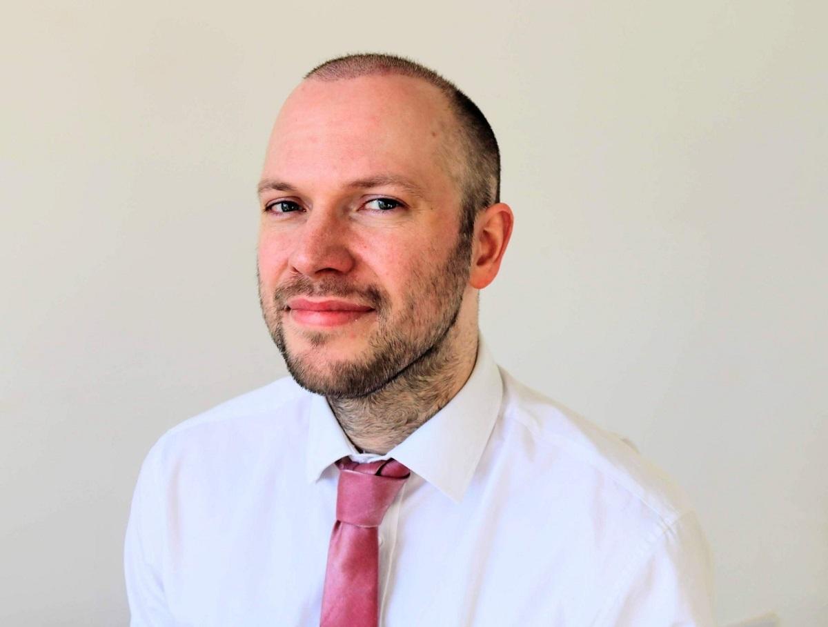 Jamie Frost là người duy nhất được nhận giải thưởng Người hùng Covid năm 2020 do ban tổ chức Global Teacher Prize trao tặng. Ảnh: Global Teacher Prize.