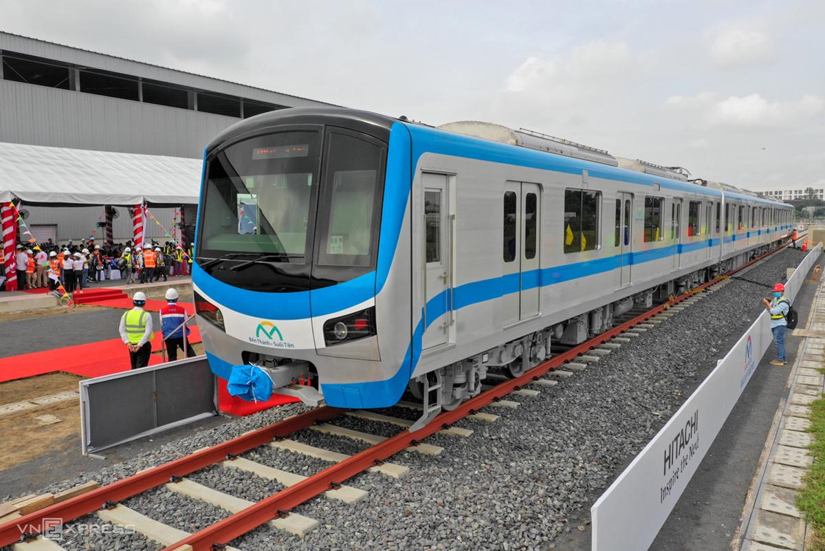 Tàu tuyến Metro Số 1 ra mắt tại depot Long Bình, quận 9, hôm 13/10. Ảnh: Hữu Khoa.