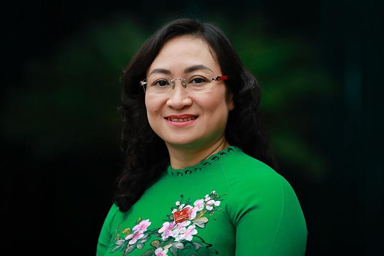 Bà Phan Thị Thắng tại kỳ họp 23 HĐND TP HCM khoá IX, ngày 8/12. Ảnh: Hữu Khoa.