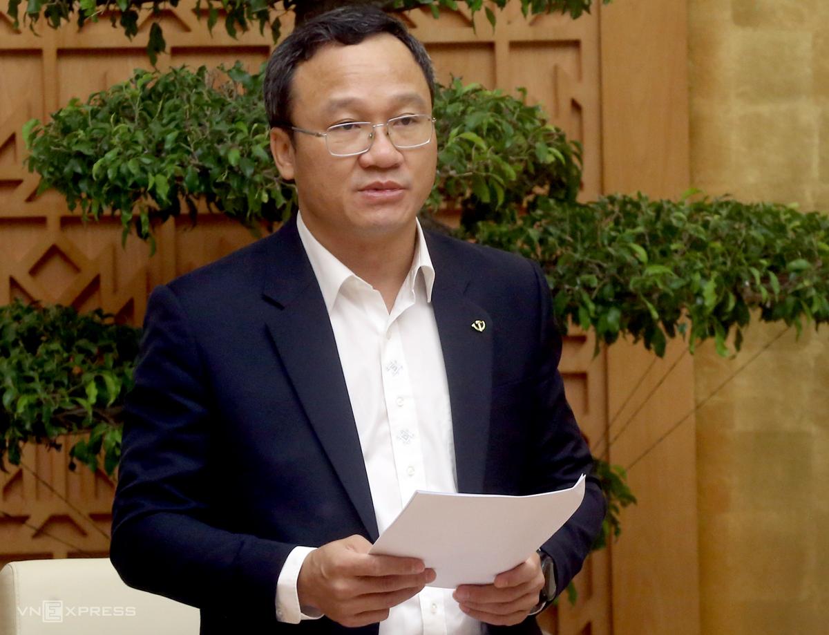 Ông Khuất Việt Hùng phát biểu trong hội nghị sáng 9/12.Ảnh: Bá Đô