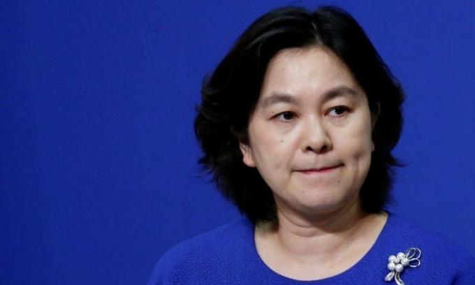 Phát ngôn viên Bộ Ngoại giao Trung Quốc Hoa Xuân Oánh phát biểu ở Bắc Kinh hôm 17/7. Ảnh: Reuters.
