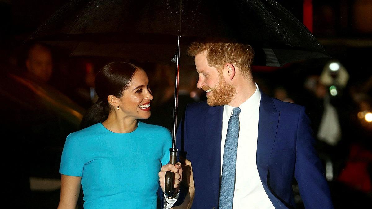 Harry - Meghan tại London hồi tháng ba. Ảnh: Reuters.