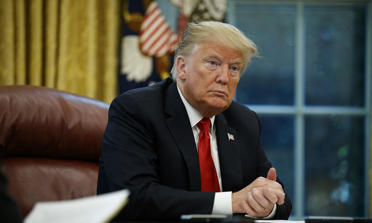 Tổng thống Donald Trump tại Phòng Bầu dục ở Nhà Trắng hôm 16/10/2018. Ảnh: AP.
