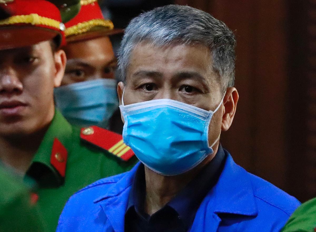 Bị cáo Dương Tuấn Minh, Tổng giám đốc Công ty Cửu Long. Ảnh: Hữu Khoa.