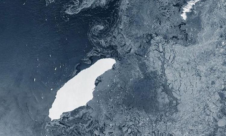 Núi băng trôi A-68a. Ảnh: BAS.