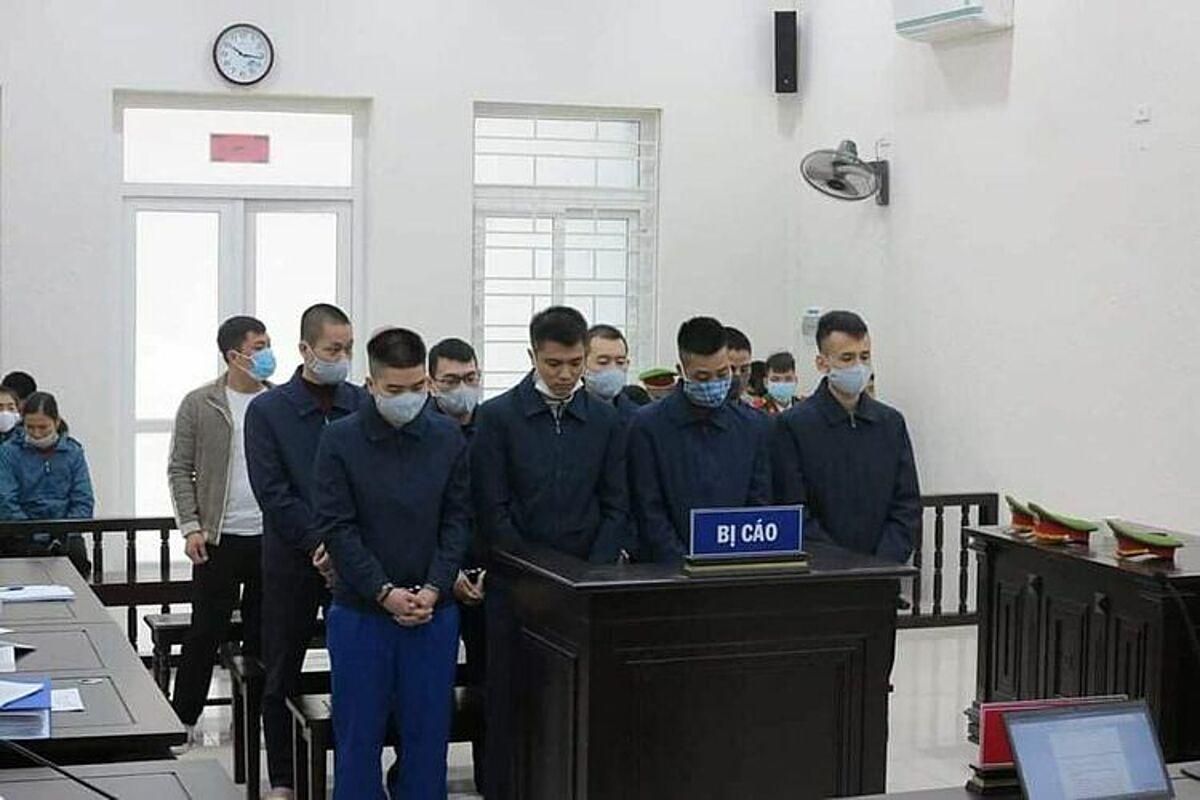 Các bị cáo tại tòa. Ảnh: Thanh Long.