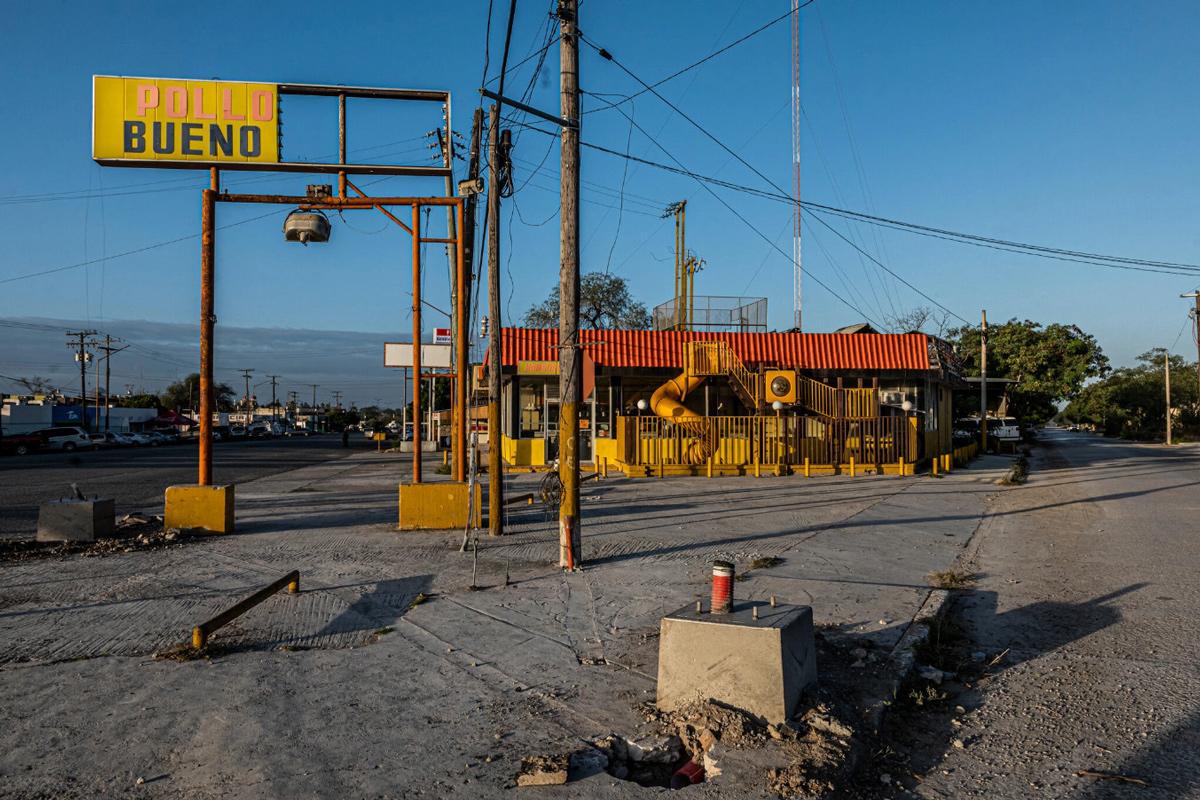 Con phố nơi Karen, con gái Miriam, bị bắt cóc. Ảnh: The New York Times.