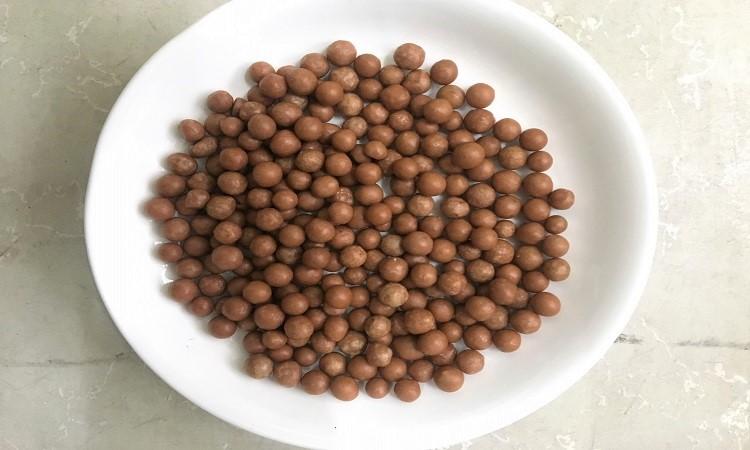 Phân bón nhả chậm giúp tiết kiệm 40% phân bón nhờ công nghệ bọc polyme. Ảnh: Nhóm nghiên cứu.