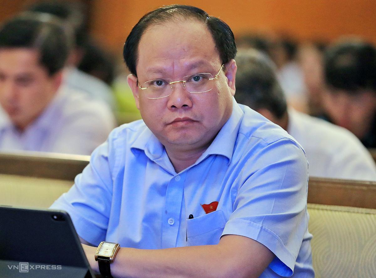 Ông Tất Thành Cang tại cuộc họp HĐND TP HCM hồi tháng 7. Ảnh: Hữu Khoa.