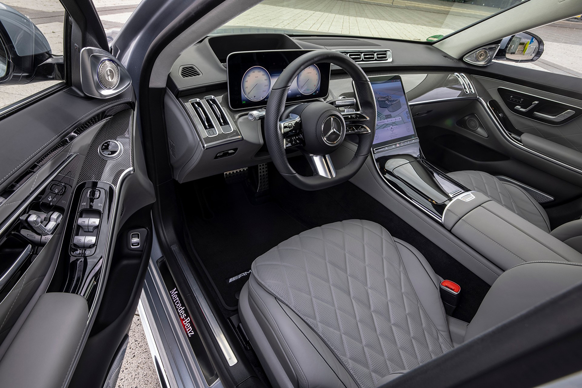 Khoang lái trên bản S-class AMG 2021. Ảnh: Mercedes