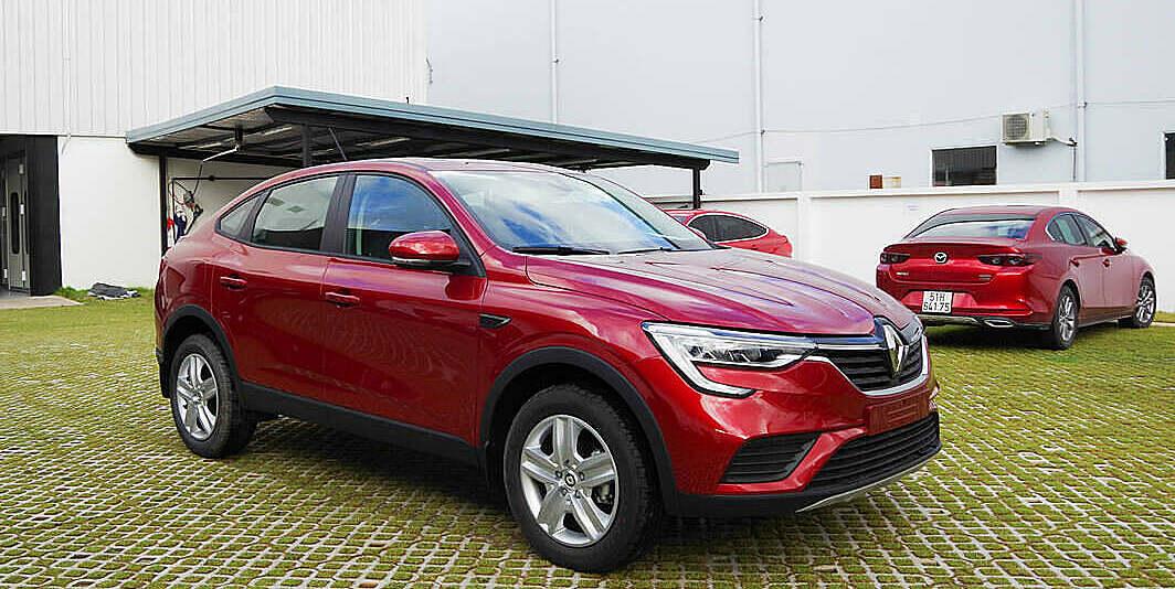 Arkana nhập khẩu Nga tại đại lý ở TPHCM. Ảnh: Renault VN