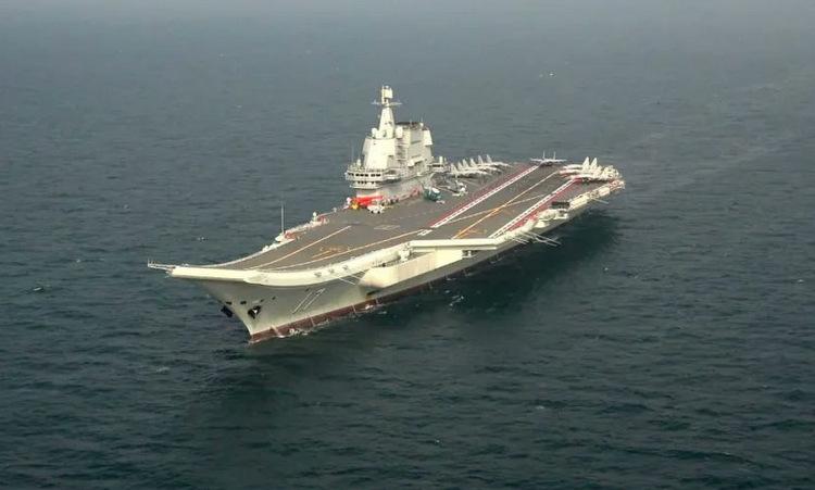 Tàu Sơn Đông chạy thử trên biển hồi tháng 6. Ảnh: CCTV.