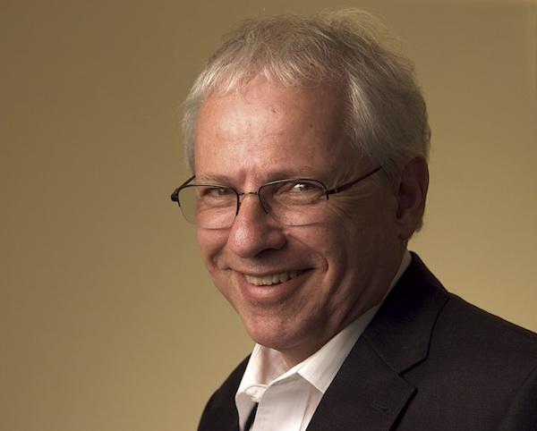 Marcel Strigberger là cựu luật sư ở Canada với hơn 40 năm kinh nghiệm. Ảnh: Legal Humour.