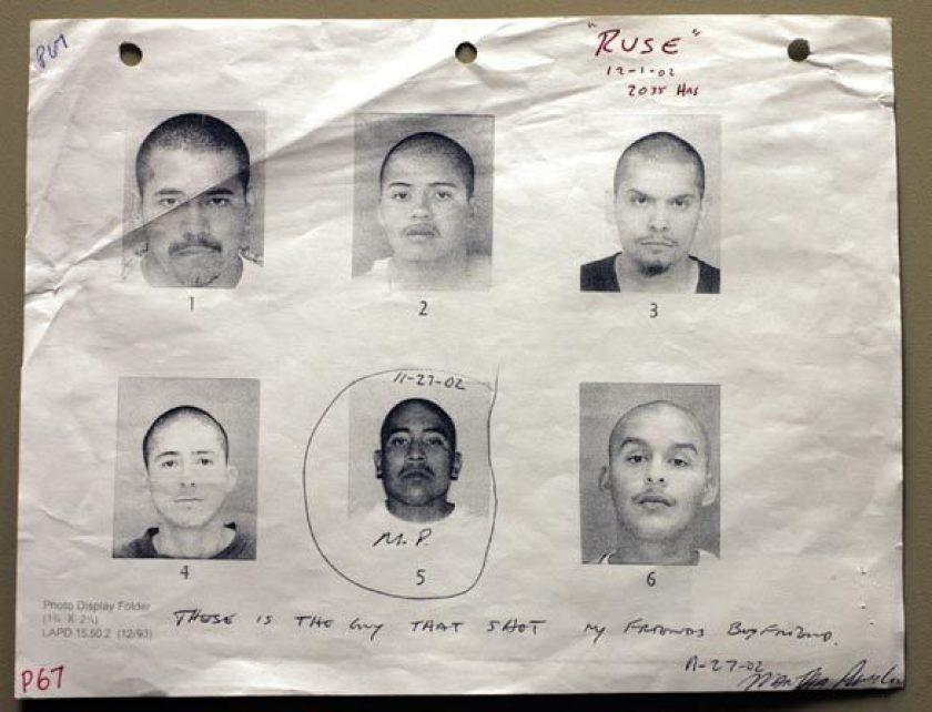 Bộ ảnh chân dung nghi phạm có chữ ký giả của Martha Puebla. Ảnh: Los Angeles Times.