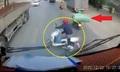Cô gái suýt chết oan vì xe máy chở cồng kềnh