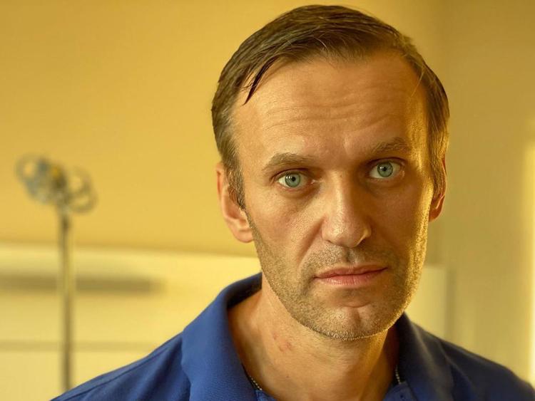 Lãnh đạo đối lập Nga Alexei Navalny tại bệnh viện ở Berlin trong bức ảnh được đăng trên mạng xã hội hồi tháng 9. Ảnh: Instagram/Navalny.