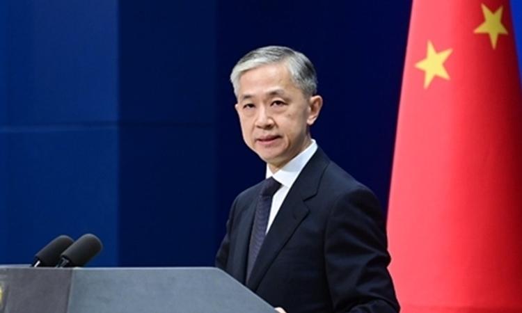 Phát ngôn viên Bộ Ngoại giao Trung Quốc Uông Văn Bân trong cuộc họp báo ở Bắc Kinh hôm 29/9. Ảnh: Bộ Ngoại giao Trung Quốc.
