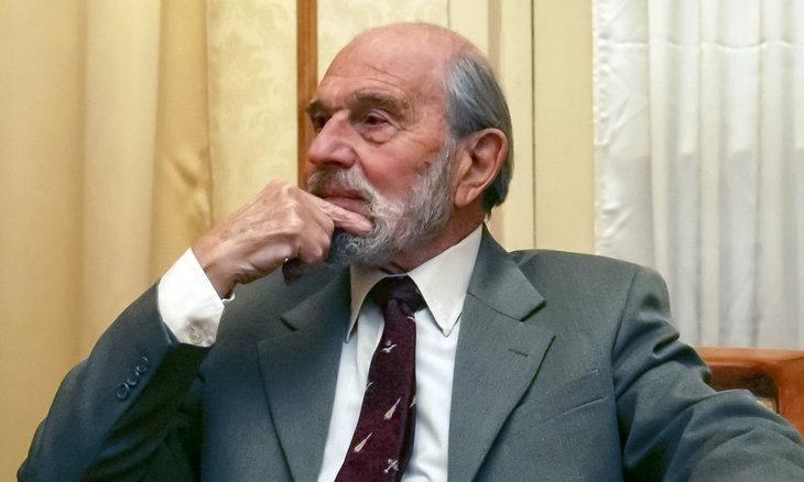 George Blake tại căn hộ riêng ở Moskva năm 2006. Ảnh: AP.