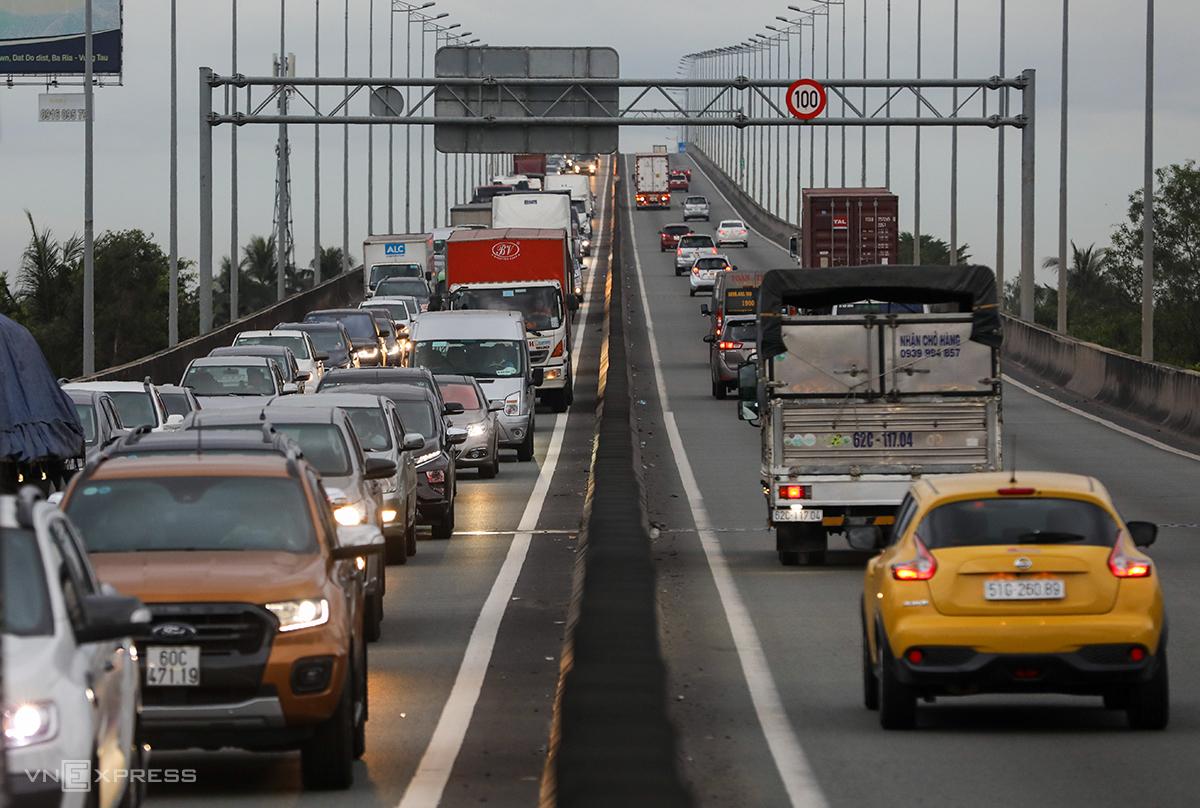 Cao tốc TP HCM - Long Thành - Dầu Giây đang được đề xuất đầu tư gần 10.000 tỷ đồng để mở rộng. Ảnh: Quỳnh Trân.