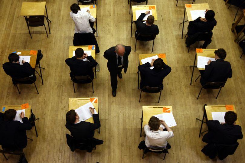 Học sinh tại Anh tham dự kỳ thi GCSE. Ảnh: PA