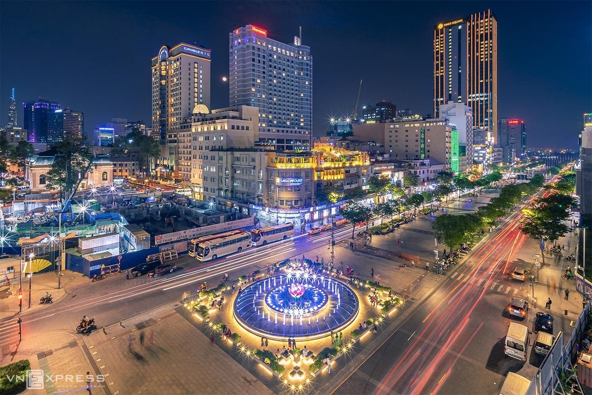 Khu vực phố đi bộ Nguyễn Huệ, quận 1. Ảnh: Trần Ngọc Dũng.