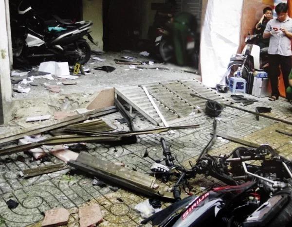Hiện trường vụ khủng bố trụ sở Công an phường 12 quận Tân Bình, TP HCM. Ảnh: Công an cung cấp.