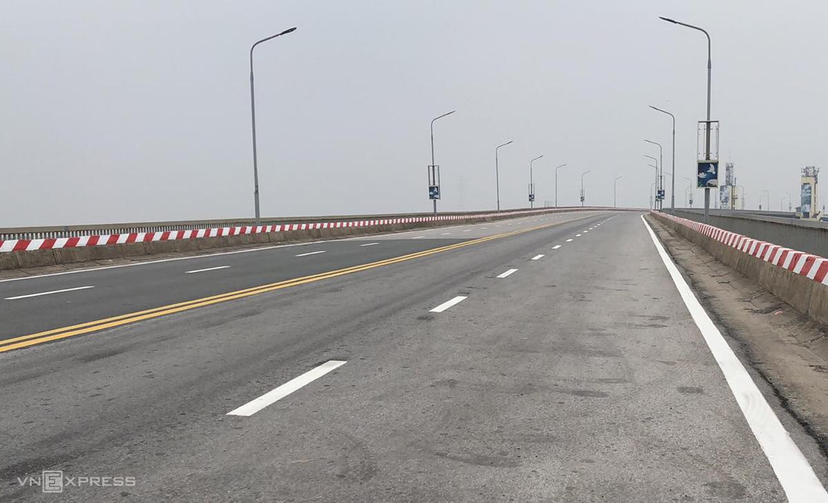 Mặt cầu Thăng Long sau khi sửa chữa. Ảnh: Giang Huy