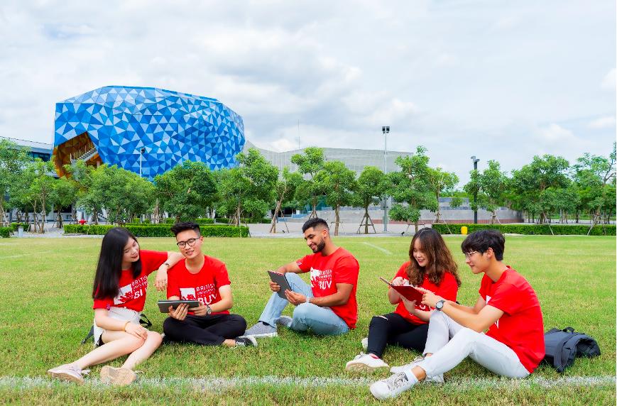 BUV cung cấp chương trình đào tạo và bằng cấp chất lượng cao của Anh Quốc cùng môi trường giáo dục quốc tế cho sinh viên Việt Nam. Ảnh: BUV