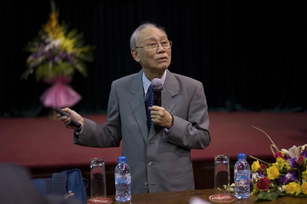 Giáo sư Nguyễn Quang Riệu với nhiều đóng góp to lớn cho nền thiên văn thế giới. Ảnh: Vjsonline.Org.