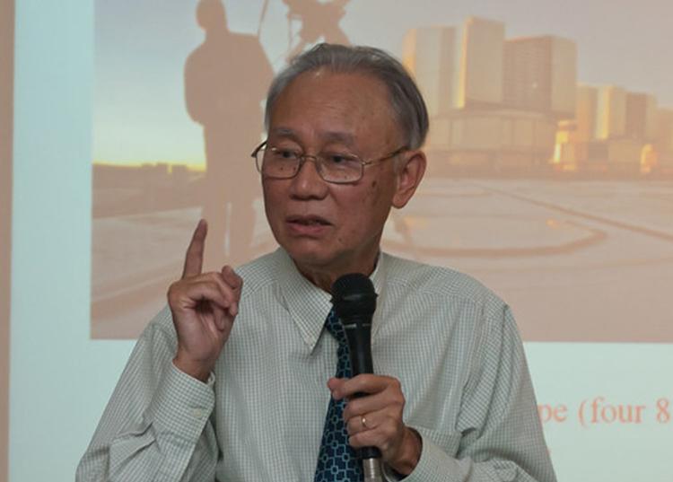 Nhà thiên văn học, Giáo sư Nguyễn Quang Riệu. Ảnh: HAAC.
