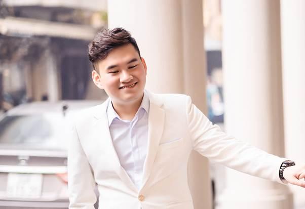 Anh Phạm Anh Tuấn bỏ ngang đại học để theo đúng đam mê là công nghệ thông tin. Ảnh: FUNiX.