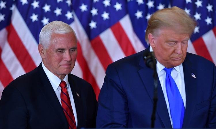 Tổng thống Mỹ Donald Trump và Phó tổng thống Mike Pence tại Nhà Trắng hồi tháng 11. Ảnh: AFP.