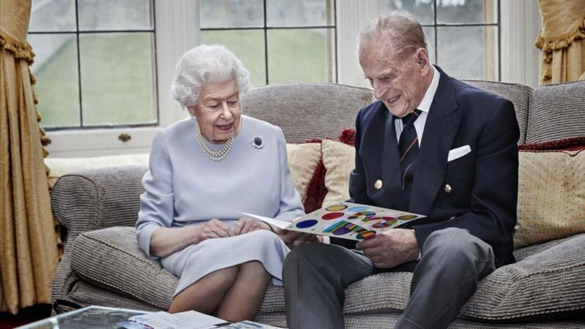 Nữ hoàng Anh và chồng tại lâu đài Windsor hồi tháng 11. Ảnh: Independent