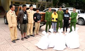 Bốn người chở gần hai tạ ma túy bị bắt