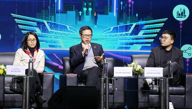 Ông Nguyễn Xuân Hoàng, Phó Chủ tịch HDQT Công ty MISA (giữa) phát biểu tại sự kiện. Ảnh: NX.