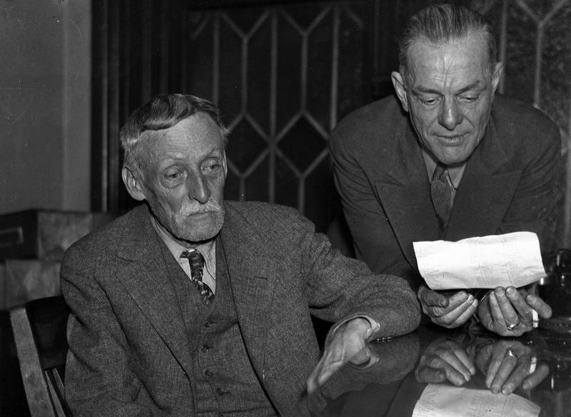 Albert Fish (trái). Ảnh: New York Daily News.