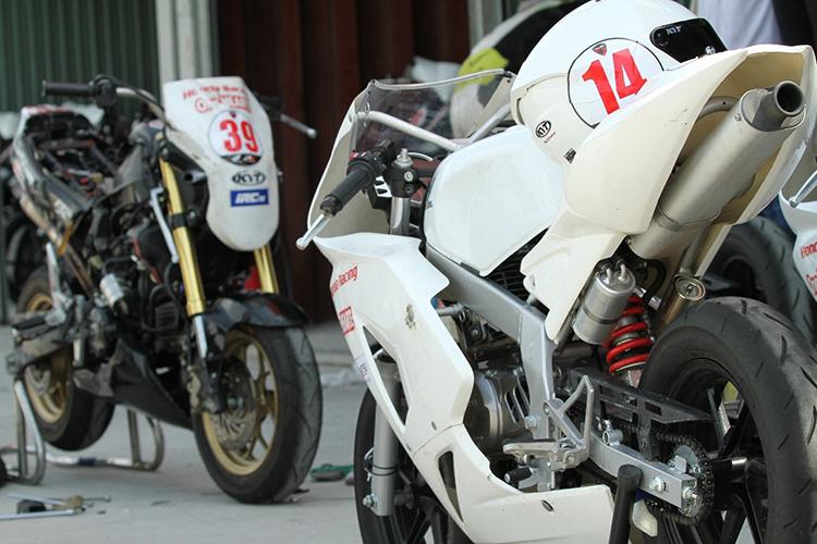 Hai mẫu xe của tay đua tại VMRC 2020. Ảnh: Honda Việt Nam.