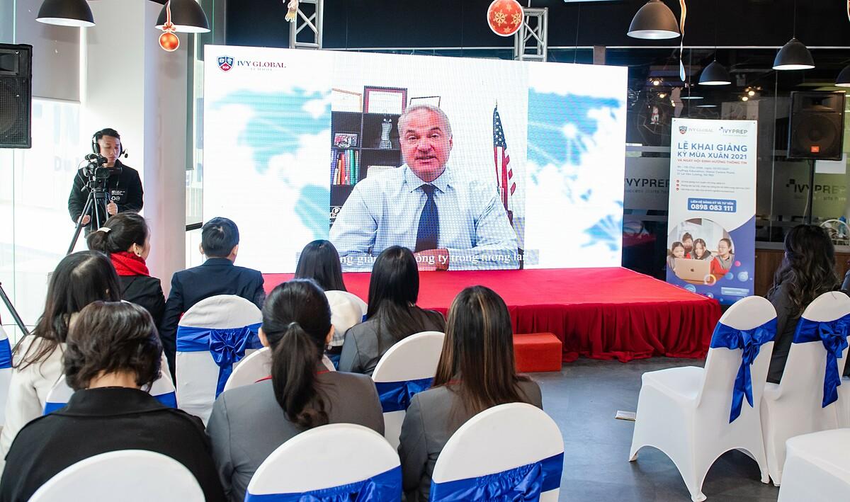 Lễ khai giảng học kỳ mùa xuân 2021 của Ivy Global School. Ảnh: Ivy Global School.