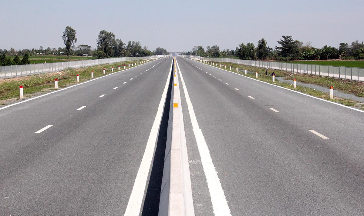 Cao tốc Lộ Tẻ - Rạch Sỏi trước giờ thông xe. Ảnh: Cửu Long
