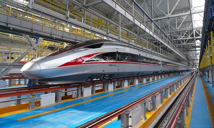 Tàu viên đạn mới chạy giữa Bắc Kinh và Cáp Nhĩ Tân. Ảnh: CNN.