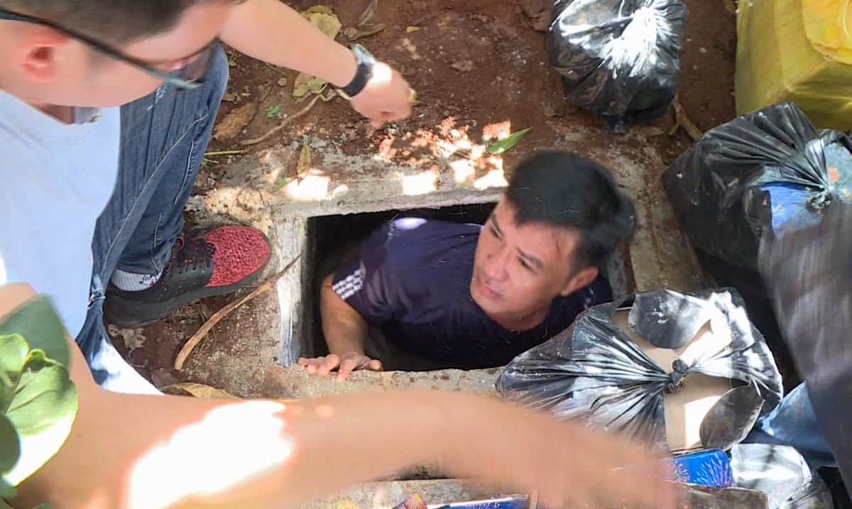 Luân đào 2 hầm phía sau nhà để trốn cảnh sát. Ảnh: Thu Hà.