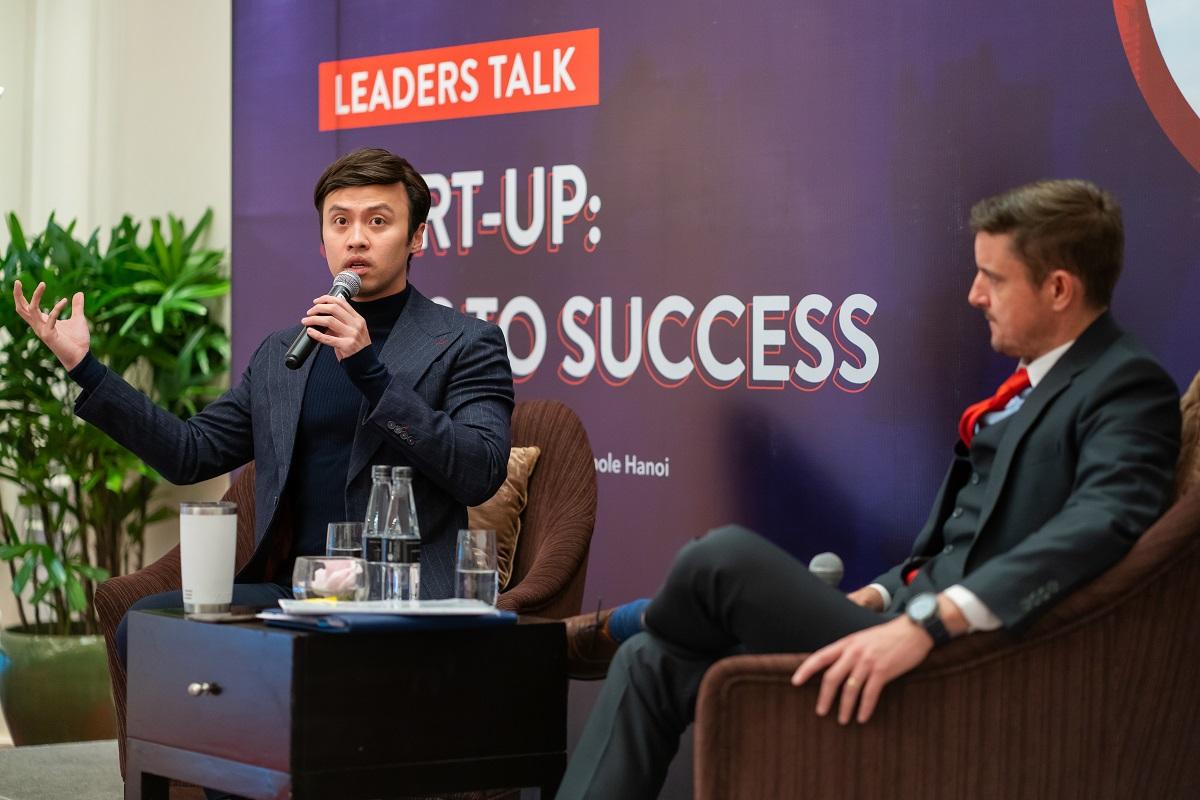 Shark Khoa chia sẻ nhiều kiến thức kinh doanh tại sự kiện Leaders Talk. Ảnh: BUV